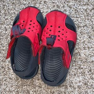 Toddler Nike sandals